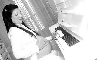 pregnant maternal age